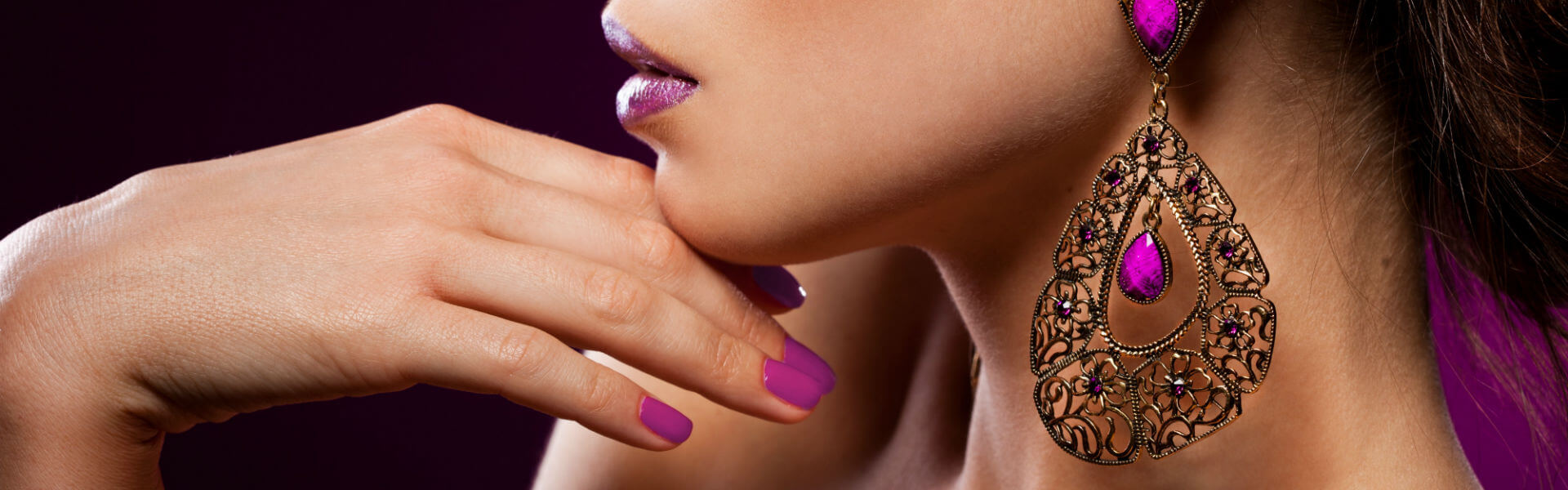 gorgeous_earings_nail_polish_purple_pink_hd-wallpaper-1330223